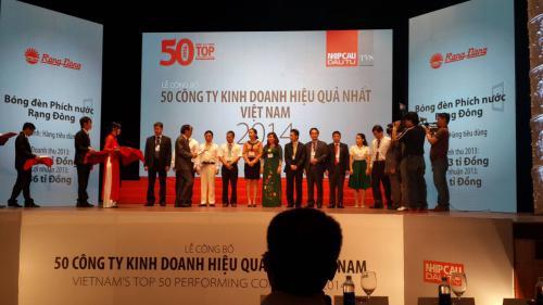 Rạng Đông lọt TOP 50 công ty kinh doanh hiệu quả nhất Việt Nam năm 2014